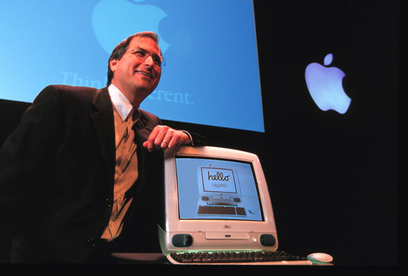 Steve_Jobs_with_iMac.jpg